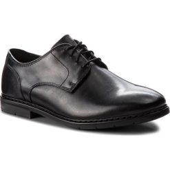 Półbuty CLARKS - Banbury Lace 261322107 Black Leather. Czarne derby męskie Clarks, z materiału. Za 399,00 zł.