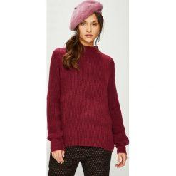 Jacqueline de Yong - Sweter 15158307. Szare swetry klasyczne damskie marki Jacqueline de Yong, m, z bawełny, z okrągłym kołnierzem. Za 129,90 zł.