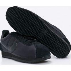 Nike Sportswear - Buty Classic Cortez Nylon. Czarne buty skate męskie Nike Sportswear, z materiału, na sznurówki. W wyprzedaży za 329,90 zł.