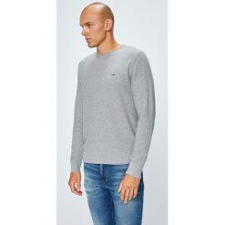 Tommy Hilfiger - Sweter. Szare swetry klasyczne męskie TOMMY HILFIGER, m, z bawełny, z okrągłym kołnierzem. W wyprzedaży za 319,90 zł.