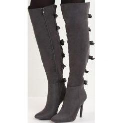 Ciemnoszare Kozaki Territory of Bows. Czarne buty zimowe damskie marki Born2be, na wysokim obcasie, na szpilce. Za 139,99 zł.