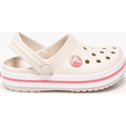 Crocs - Sandały dziecięce. Szare sandały chłopięce marki Crocs, z gumy, z okrągłym noskiem. Za 139,90 zł.