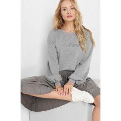 Lekki sweter oversize. Czarne swetry oversize damskie marki Orsay, xs, z bawełny, z dekoltem na plecach. W wyprzedaży za 50,00 zł.