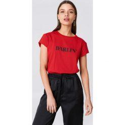 NA-KD T-shirt Darlin' - Red. Niebieskie t-shirty damskie marki NA-KD, z satyny. Za 60,95 zł.