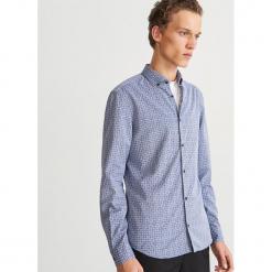 Wzorzysta koszula slim fit - Granatowy. Białe koszule męskie slim marki Reserved, l. Za 119,99 zł.