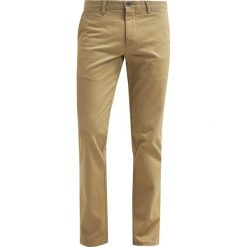 Chinosy męskie: DOCKERS MARINA Chinosy new british khaki
