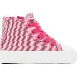 Buty sportowe z płótna w paski 19-25. Czerwone buty sportowe dziewczęce marki La Redoute Collections, z materiału, na obcasie, na sznurówki. Za 52,88 zł.