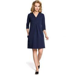 LILY Sukienka z podwójną plisą - granatowa. Niebieskie sukienki balowe Moe, z dekoltem w serek, plisowane. Za 136,99 zł.