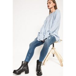 Medicine - Jeansy Grey Earth. Szare jeansy damskie rurki marki MEDICINE. W wyprzedaży za 79,90 zł.