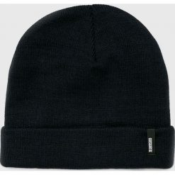 Answear - Czapka. Czarne czapki zimowe damskie marki ANSWEAR, na zimę, z dzianiny. W wyprzedaży za 27,90 zł.
