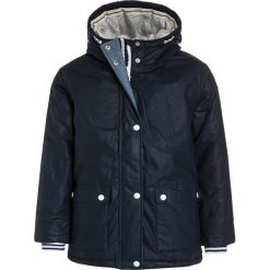 Next FISHERMAN Kurtka zimowa navy. Niebieskie kurtki dziewczęce Next, na zimę, z bawełny. W wyprzedaży za 188,30 zł.