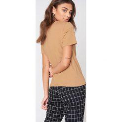 NA-KD Basic T-shirt basic - Beige. Różowe t-shirty damskie marki NA-KD Basic, z bawełny. Za 52,95 zł.