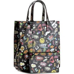 Torebka CARINII - Crn 777-178-000-000 Naklejki Czarna Mała. Czarne torebki klasyczne damskie Carinii, małe. W wyprzedaży za 509,00 zł.