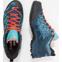 Salewa WILDFIRE GTX Obuwie hikingowe poseidon/capri. Niebieskie buty sportowe damskie marki Salewa. Za 719,00 zł.