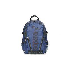 Plecaki Superdry  SILVER TARP BACKPACK. Szare plecaki damskie marki Superdry, l, z tkaniny, z okrągłym kołnierzem, na ramiączkach. Za 349,00 zł.