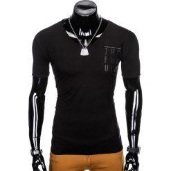 T-SHIRT MĘSKI Z NADRUKIEM S956 - CZARNY. Szare t-shirty męskie z nadrukiem marki Lacoste, z gumy, na sznurówki, thinsulate. Za 19,99 zł.