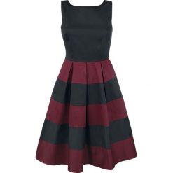 Dolly and Dotty Big Stripes Sukienka czarny/czerwony. Różowe sukienki na komunię marki numoco, l, z dekoltem w łódkę, oversize. Za 199,90 zł.
