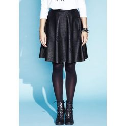 Spódnica zdobiona kwiatami edith. Czarne spódniczki dziewczęce z falbankami Zaps, w ażurowe wzory, z materiału, mini. W wyprzedaży za 69,50 zł.