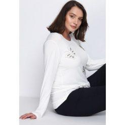 Biała Bluzka Forever And Always. Białe bluzki asymetryczne Born2be, xl, z aplikacjami, z okrągłym kołnierzem, z długim rękawem. Za 34,99 zł.