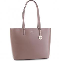 Torebka DKNY - R83A3654  Desert DES. Brązowe torebki klasyczne damskie DKNY, ze skóry. Za 1199,00 zł.