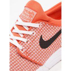 Nike SB STEFAN JANOSKI MAX Tenisówki i Trampki vintage coral/black/white. Brązowe tenisówki męskie Nike SB, z materiału. W wyprzedaży za 349,30 zł.
