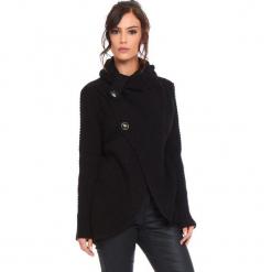 """Kardigan """"Stone"""" w kolorze czarnym. Czarne kardigany damskie marki Cosy Winter, s, ze splotem. W wyprzedaży za 181,95 zł."""