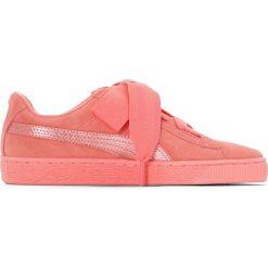 Trampki Jr Suede Heart Snk. Czerwone buty sportowe dziewczęce marki Puma, z materiału, na sznurówki. Za 327,56 zł.