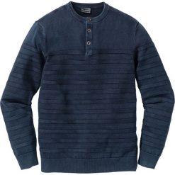 Sweter Regular Fit bonprix niebieski. Zielone swetry klasyczne męskie marki bonprix, w kropki, z kopertowym dekoltem, kopertowe. Za 79,99 zł.