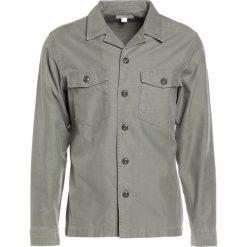 Koszule męskie na spinki: J.CREW Koszula army olive