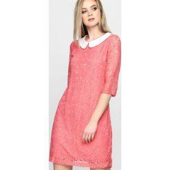 Sukienki: Koralowa Sukienka Politely