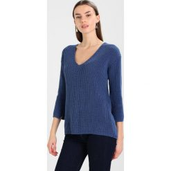 Swetry klasyczne damskie: And Less KARINA  Sweter true navy