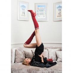 Czerwone Kozaki Imagining. Czerwone buty zimowe damskie vices, z materiału, z otwartym noskiem, na wysokim obcasie, na obcasie. Za 159,99 zł.
