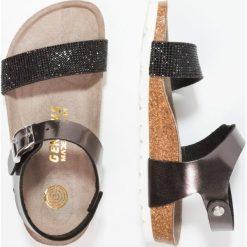 Genuins FASANO  Sandały anthracite. Szare sandały chłopięce Genuins, z materiału, z otwartym noskiem. W wyprzedaży za 161,85 zł.