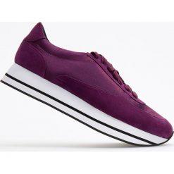 Sportowe buty na grubej podeszwie - Fioletowy. Czarne buty sportowe damskie marki Kazar, z nubiku, przed kolano, na wysokim obcasie. Za 139,99 zł.