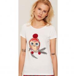 Piżamowa koszulka z zimowym motywem - Kremowy. Czarne koszule nocne i halki marki Reserved, l. Za 29,99 zł.