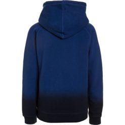 Scotch Shrunk GARMENT DYE CREWNECK  Bluza z kapturem yinmn blue. Niebieskie bluzy chłopięce rozpinane marki Scotch Shrunk, z bawełny. Za 279,00 zł.