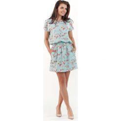 Sukienki: Niebieska Wzorzysta Letnia Marszczona w Pasie Sukienka