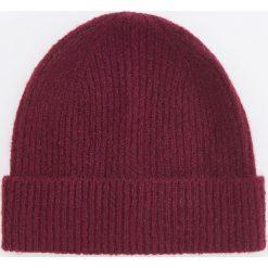Czapka - Bordowy. Czerwone czapki damskie Reserved. Za 39,99 zł.