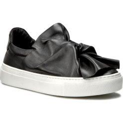 Półbuty BRONX - 65913-B BX 1261 Black 01. Czarne półbuty damskie na koturnie marki Bronx, z materiału. W wyprzedaży za 299,00 zł.