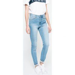 Vero Moda - Jeansy Nine. Niebieskie jeansy damskie Vero Moda, z podwyższonym stanem. W wyprzedaży za 79,90 zł.