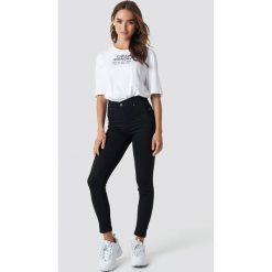 Cheap Monday Jeansy z wysokim stanem Spray - Black. Czarne spodnie z wysokim stanem Cheap Monday, z jeansu. Za 161,95 zł.