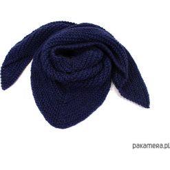 Apaszki damskie: granatowa chusta na drutach
