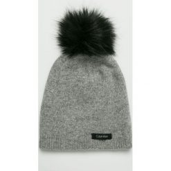 Calvin Klein - Czapka. Szare czapki damskie Calvin Klein, na zimę, z dzianiny. Za 179,90 zł.