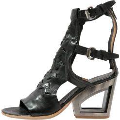 A.S.98 POLARI Sandały z cholewką nero. Czarne sandały damskie A.S.98, z materiału. Za 969,00 zł.