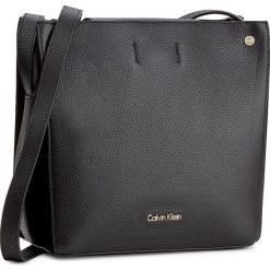 Torebka CALVIN KLEIN BLACK LABEL - Lizzy Cube Suede K60K603693 001. Czarne listonoszki damskie marki Calvin Klein Black Label, z materiału. W wyprzedaży za 469,00 zł.