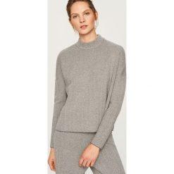 Dzianinowy sweter ze stójką - Wielobarwn. Szare swetry klasyczne damskie Reserved, l, z dzianiny, ze stójką. Za 99,99 zł.