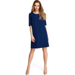 ISABELLE Sukienka z lampasem z koronki - granatowa. Niebieskie sukienki koronkowe Stylove, na co dzień, s, w koronkowe wzory. Za 159,90 zł.