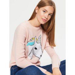Sweter - Kremowy. Białe swetry klasyczne damskie Cropp, l. W wyprzedaży za 29,99 zł.