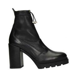 Botki damskie na obcasie: Skórzane botki w kolorze czarnym