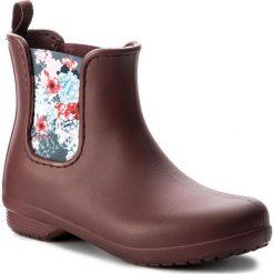 Kalosze CROCS - Freesail Chelsea Boot 204630 Garnet. Czerwone buty zimowe damskie marki Crocs, z materiału. W wyprzedaży za 169,00 zł.